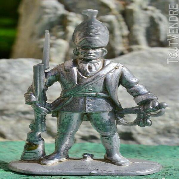 Figurine plastique garde russe / h 7,5 cm