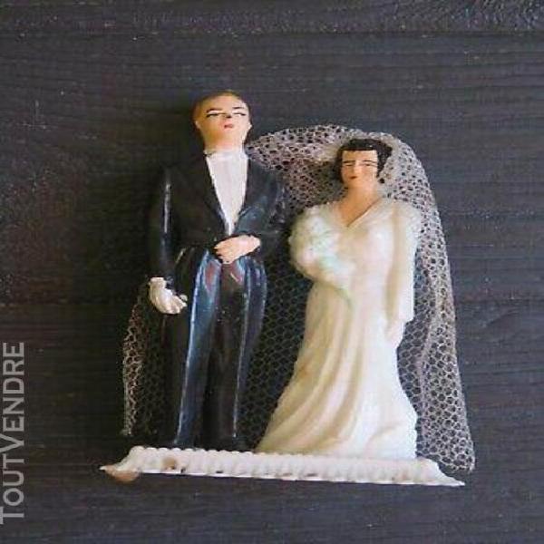 Mignonette de mariés en plastique femme brune n° 27