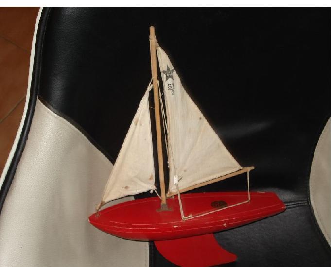 voilier de bassin en bois de la marque star'yacht