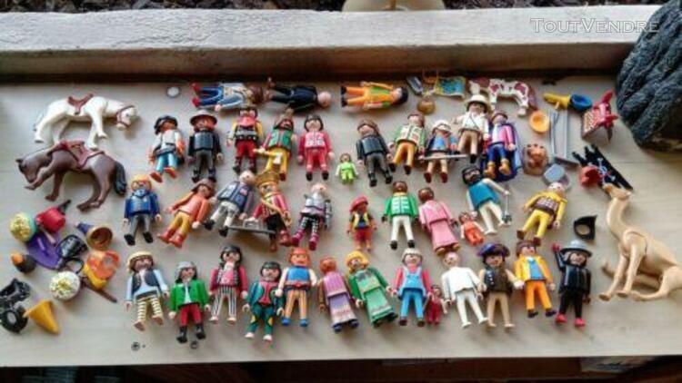 Lot 38 personnages playmobils + accessoires et animaux