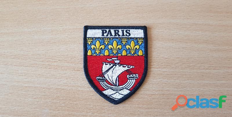 Blason armoiries Ville de Paris 7,5x6 cm fluctua nec mergitur