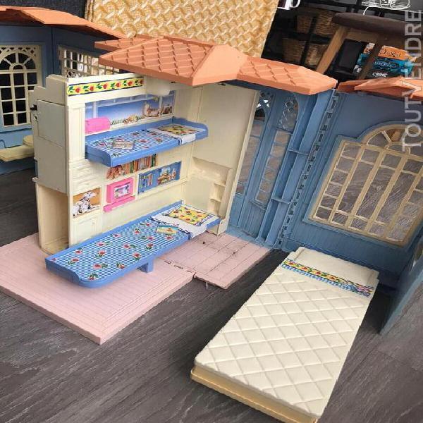 Barbie maison + avion + décapotable