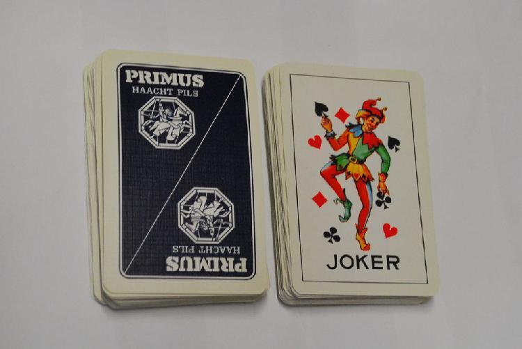 Jeux de carte neuf/revente, provin (59185)