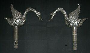 Paire de robinets - col de cygne - en bronze nickelé