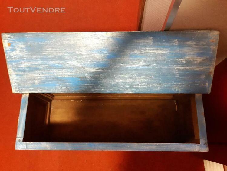 Ancien coffre bois en peinture meuble banc