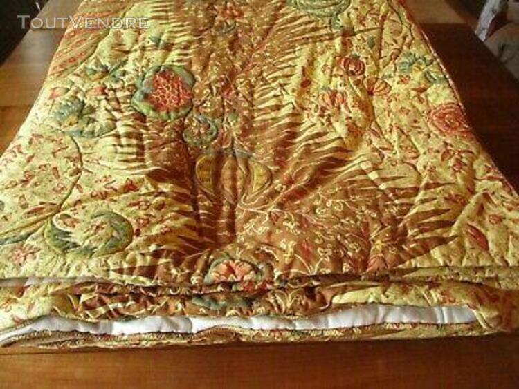 Dessus de lit couvre lit ancien doublé motif floral coloré