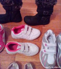 Lot de chaussures / baskets pour petite fille
