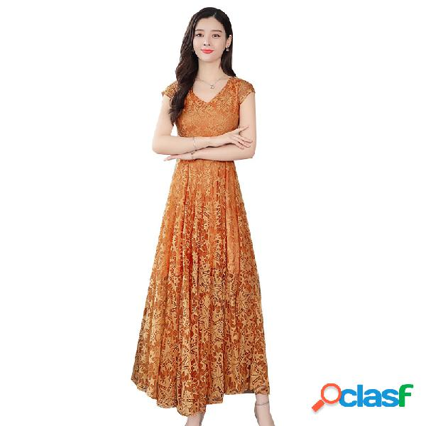 Robe florale à manches courtes à la taille était une robe longue en dentelle