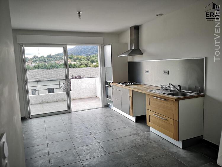 Location d'un appartement f4 (80 m²) à santa lucia di