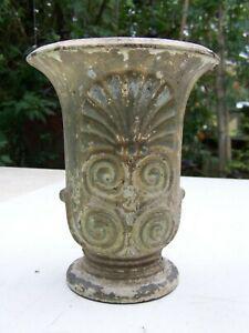 Ancien vasque en fonte estampillé et marqué 377 h20
