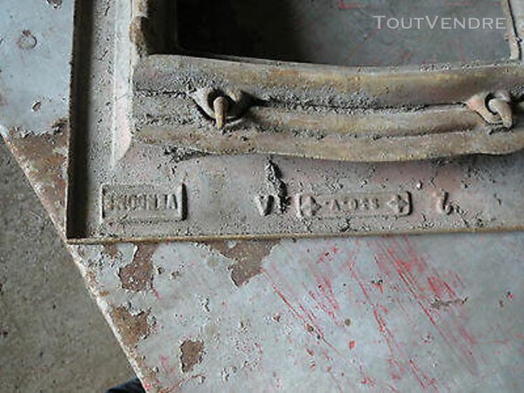 Ancienne lucarne de toit en fonte renovation deco loft ateli
