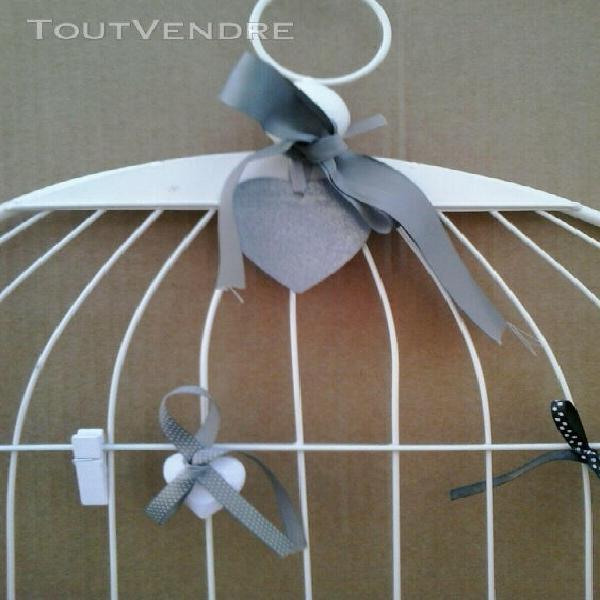 Support pour photos ou messages en forme de façade de cage