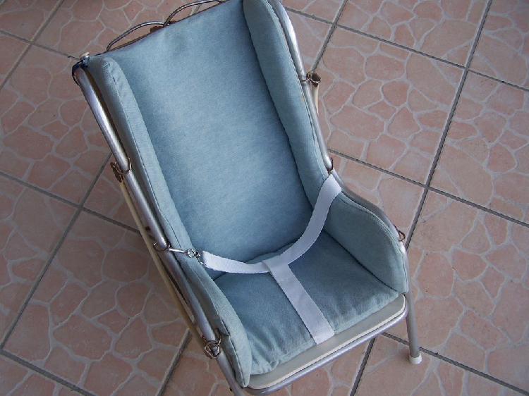 Chaise bébé années 60 pour musée, expo, collect°...