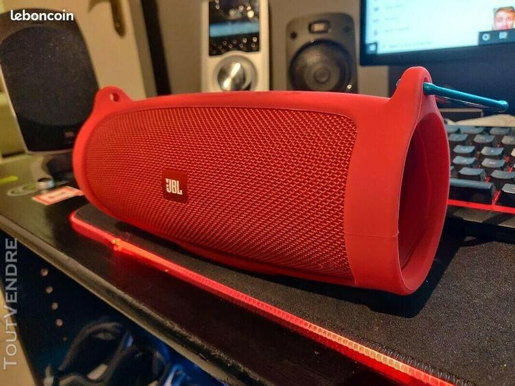 Jbl charge 4 + housse sillicone comme neuve facture