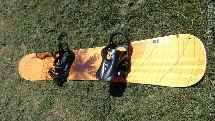Surf quechua taille 160 cm voir texte: semelle à recoller o
