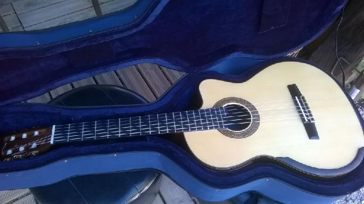 Guitare classique electro hua liu lattice - lr baggs cutaway