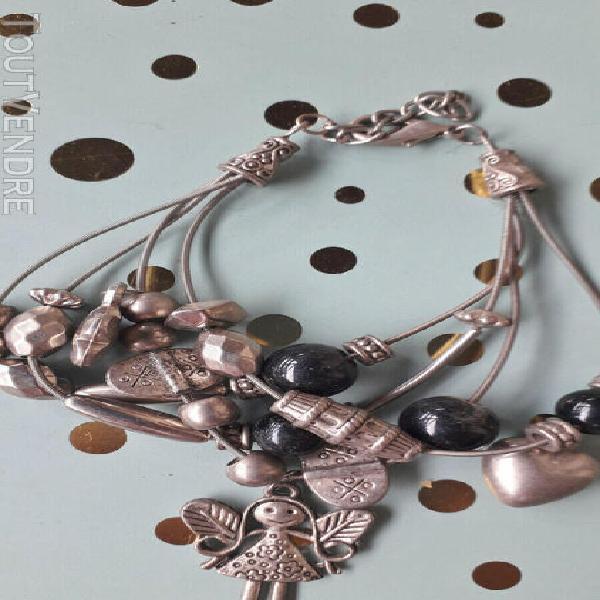 Bracelet breloques couleur argent perle noir