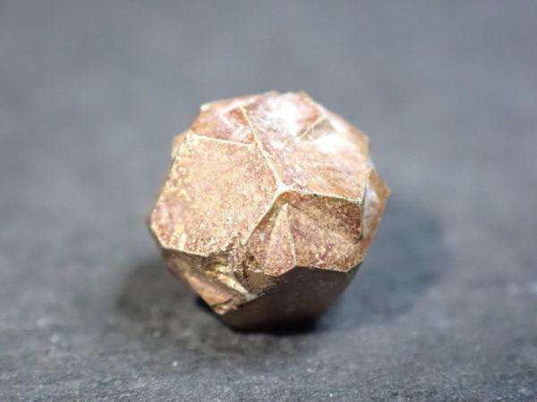Cristal de pyrite les landes france 4,65 carats 7 x 7 x 7 mm