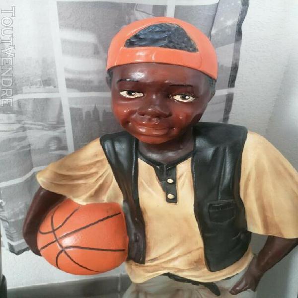 Statue basketteur 80cm introuvable
