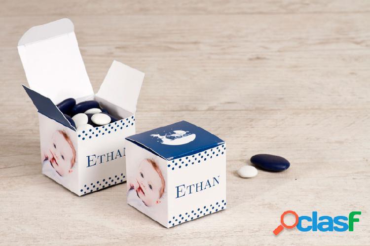 Boîte à dragées cube naissance landeau magique