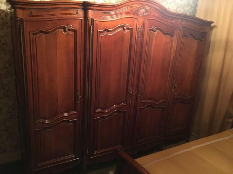 Chambre à coucher complète en merisier massif - louis xv