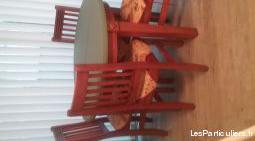 Ensemble table chaise et bahut