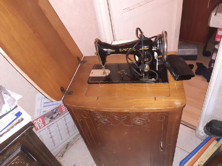 Machine a coudre singer occasion, la loupe (28240)