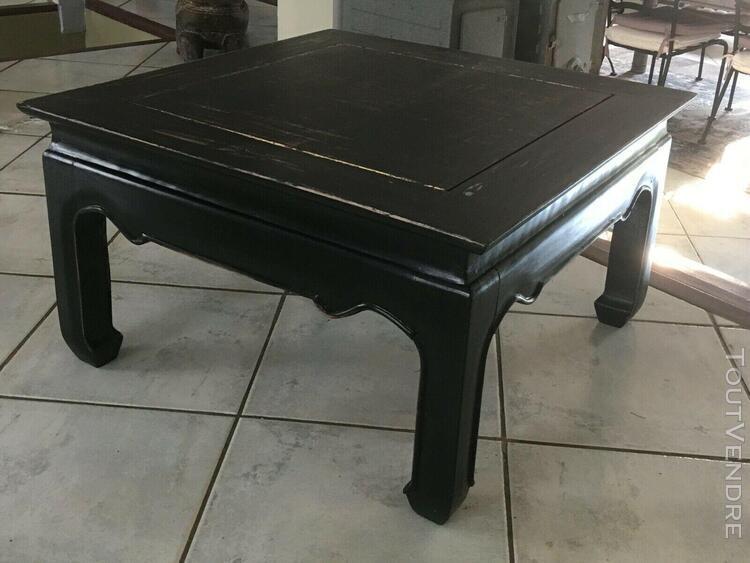Table basse noire traitée esprit loft en bois massif