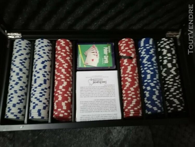 Mallette de poker en bois 300 jetons et cartes neuves - set
