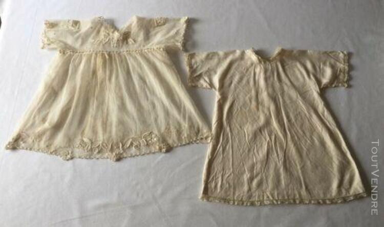 D22) - ancienne robe de baptême avec sa boublure