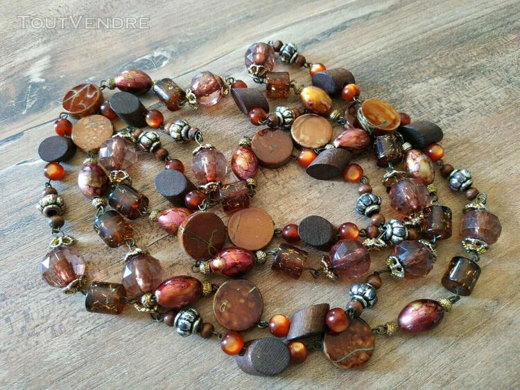 Joli collier sautoir tons marron perles bois + plastique - b