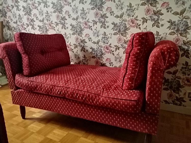 Canapé lit 2 places couleur rouge rococco neuf, bourges