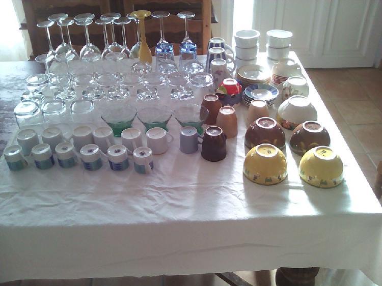Lot vaisselle de table 105 pièces occasion, bourges (18000)