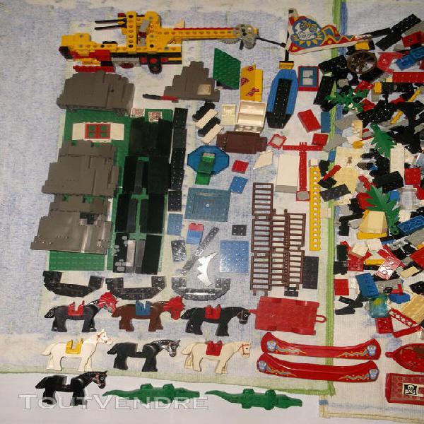 Lot de jouets lego (ancienne generation) - en vrac - en bon
