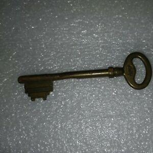 Ancienne clé de serrure porte coffre rr 103