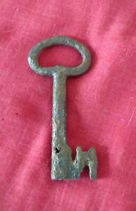 Grosse clef tres ancienne fer forge