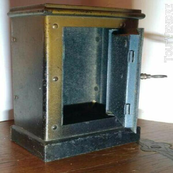 Tirelire coffre fort métal ancienne (695 gramm