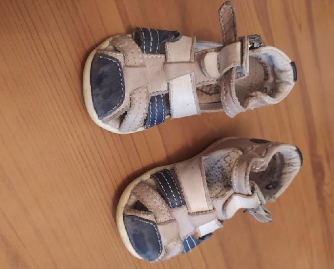 Chaussures bébé garçon différentes tailles