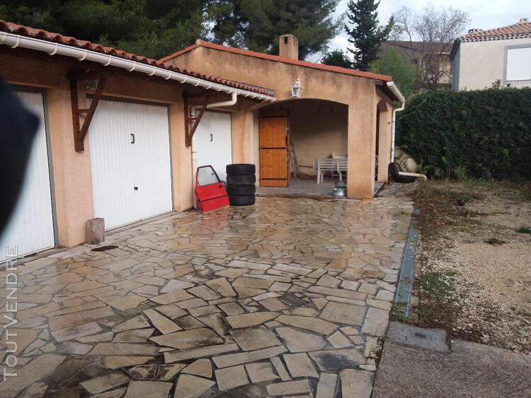 Villa t3 de 137m² plain pied avec garages et cave sur