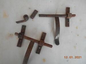 Lot de 2 verrous anciens en fer forge