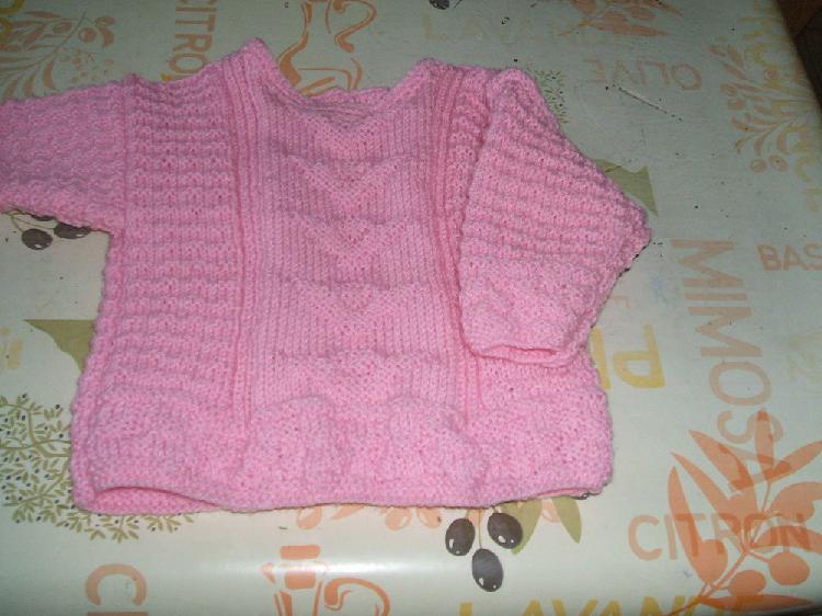 2 pulls +echarpe+1 gilet avec capuche bebe filles neufs