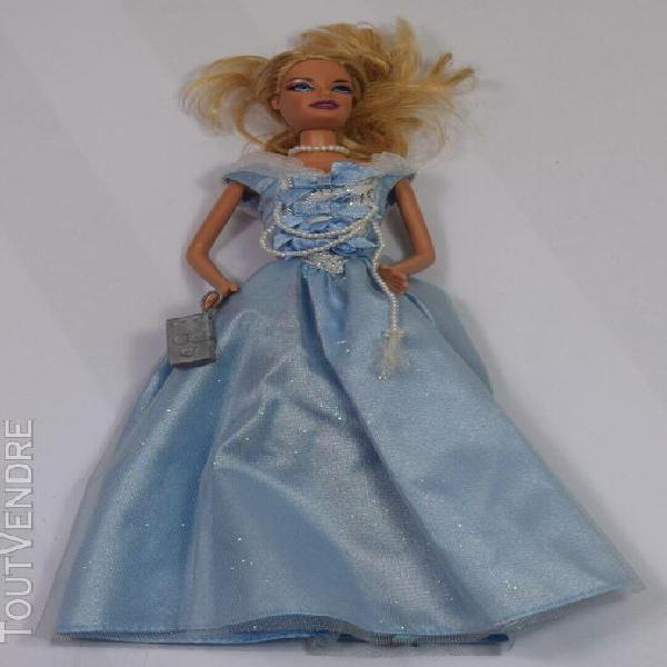 Poupée barbie en tenue de soirée robe bleue mattel (18)