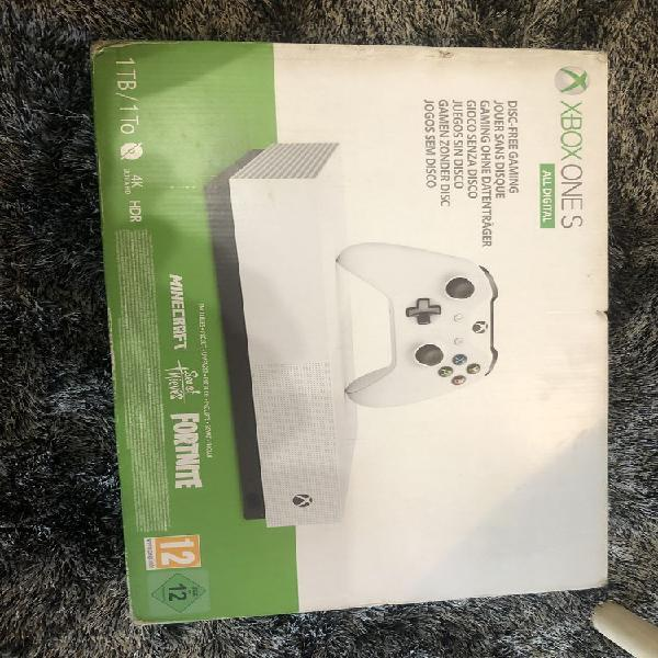 Xbox one s neuve avec jeux et abonnement neuf/revente,