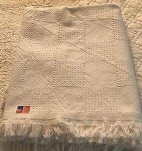 Classic block pattern white cotton jacquard woven afghan