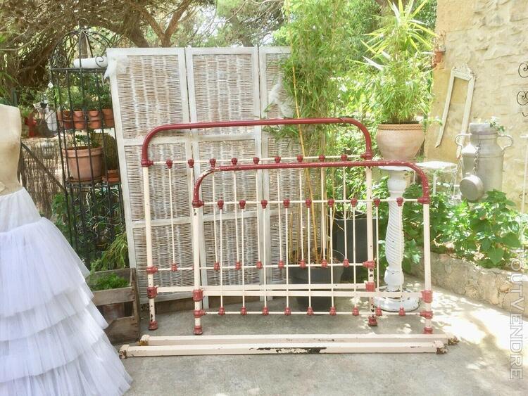 Lit ancien en fer forgé, vintage cast metal bed frame, twin