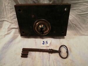Serrure ancienne avec clé