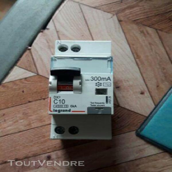 Disjoncteur différentiel 10a 300ma legrand 4107 24