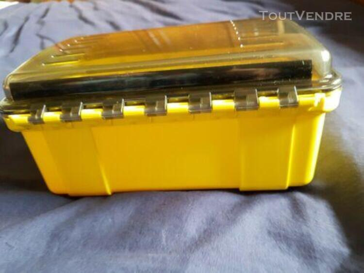 Boite uk etanche 408 ultrabox 231 x 150 x 109 mm