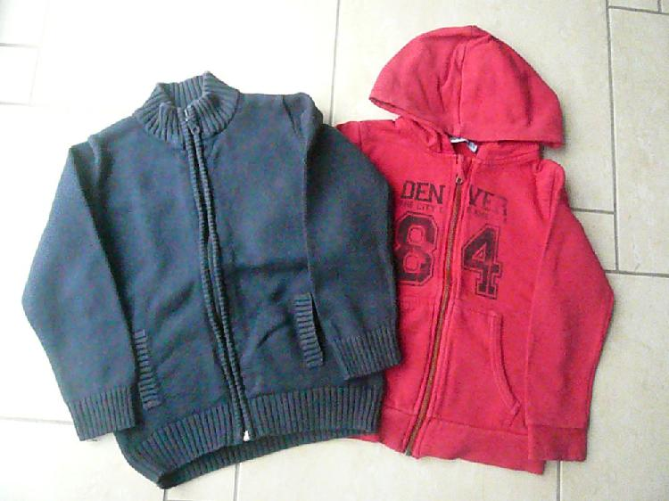 Gilet / sweat 6 ans (n°13) occasion,