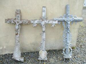Lot de 3 croix en fonte ancienne reliquaire déco jardin.